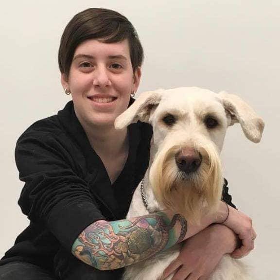 Chloé Gratton, Aide-Technicienne   Équipe Clinique vétérinaire du domaine vert, Mirabel